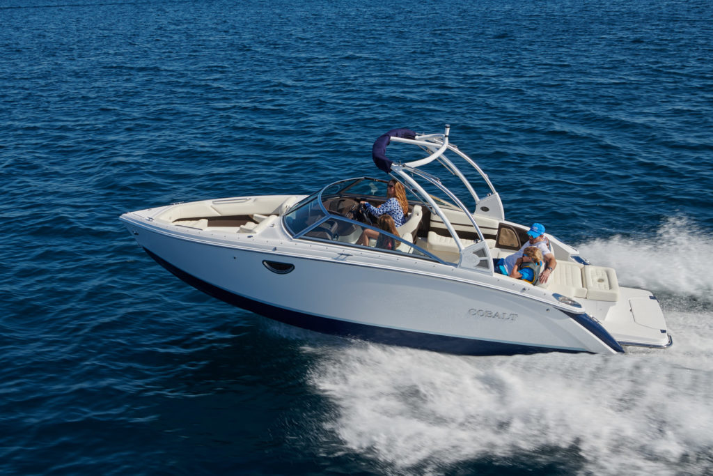 bateau-a-moteur-2